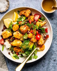 Vegan Gluten free · Serves 4 · This delicious Coconut Cauliflower Bowl With Spicy Mango Vinaigrette is a filling and veggie-packed option perfect for lunch or dinner. Vegetarian Steak, Vegetarian Recipes, Healthy Recipes, Delicious Recipes, Homemade Honey Mustard, Honey Mustard Sauce, Cauliflower Bites, Roasted Cauliflower, Healthy Dishes