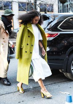 Pin for Later: Genießt das Wochenende mit den besten Street Style Shots der Fashion Week Street Style bei der New York Fashion Week, Februar 2016 Solange Knowles