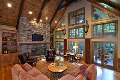 Pine tongue and groove ceiling paired with Douglas fir beams (VPC Builders) Pine tongue and groove ceiling paired with Douglas fir beams (VPC Builders) Cabin Homes, Log Homes, Living Room Designs, Living Room Decor, Living Rooms, Patio Grande, Tongue And Groove Ceiling, Cabin Interiors, Lodge Style