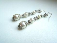 Orecchini argento tibetano antichizzato e perle di LeSirenes, €8.90