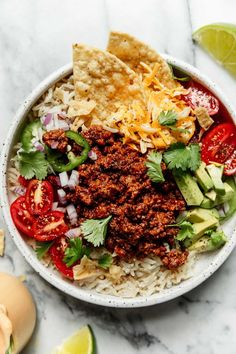 Meals that make great lunches: Weekly Meal Plan Ideas #34 - Easy Beef Taco Bowl with Salsa Ranch from TheRealFoodRDs #mealplan #familydinner #creativedinner #dinnerrecipes #tacobowls #beefrecipe #leftovers Gluten Free Recipes For Dinner, Lunch Recipes, Beef Recipes, Real Food Recipes, Dinner Recipes, Homemade Tacos, Homemade Taco Seasoning, Salsa Ranch, Quick Pickled Onions
