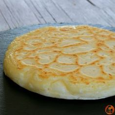 Fit Cheese Bread in Skillet (gluten-free) - Fitlicioso - Fit Cheese Bread in Skillet (gluten-free) – Fitlicioso - Gluten Free Recipes, Bread Recipes, Cooking Recipes, Tapas, Pan Dulce, Mouth Watering Food, Pan Bread, Healthy Eating Recipes, Sans Gluten