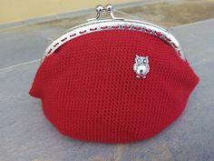 Monedero grande rojo con búho