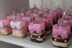 Chá de bebê marrom e rosa