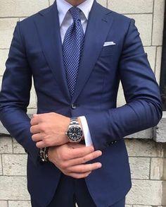 Blue suit for men - Men's style, accessories, mens fashion trends 2020 Gentleman Mode, Gentleman Style, Best Suits For Men, Cool Suits, Mens Fashion Suits, Mens Suits, Men's Fashion, Lifestyle Fashion, Fashion Styles