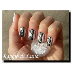$5.48 12 Colors Nail Art Shiny Hexagonal Glitter Powder Sheets Tips Tool - BornPrettyStore.com
