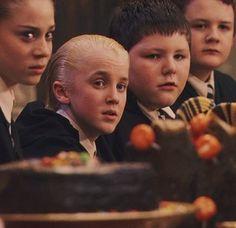 The Slytherin Table Saga Harry Potter, Harry Potter Icons, Harry Potter Draco Malfoy, Harry Potter World, Tom Feltom, Draco Malfoy Aesthetic, Harry Potter Background, Harry Potter Pictures, Harry Potter Wallpaper