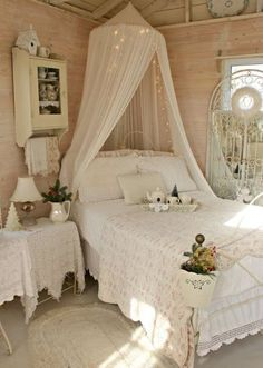33 vintage bedroom decor ideas to turn your room into a paradise extensions hair and the cage - Vintage Room Decor