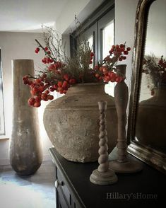 Vases Decor, Vignettes, Diy Furniture, Pure Products, Sober, Floral, Flowers, Christmas, Farmhouse