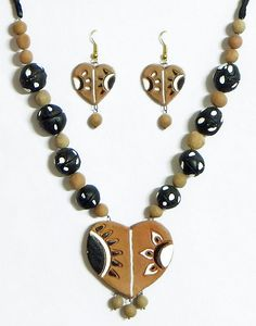 Hand Painted on Light Beige and Black Terracotta Bead Necklace with Heart Pendant and Earrings (Terracotta))