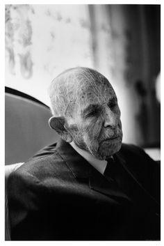 Dryden Goodwin - Scratching on photographs