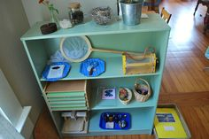 awesome Montessori home set up Childcare Environments, Science Stations, Montessori Playroom, School Projects, School Ideas, Reggio Emilia, Science Classroom, Home Schooling, Classroom Organization