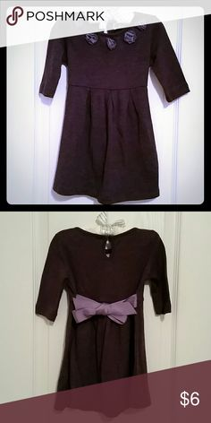 H&M Purple Dress H&M Purple Dress, attached flower on collar with tie on ribbon. 60% Cotton 40% Polyester size 18-24 months. H&M Dresses Casual