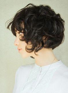 finally messy kinda curly short hair! Wanna cut mine so bad right now. I hate it.
