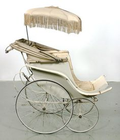 1889 William H. Richardson's reversal carraige. The bassinet could face out or in. The wheels were also modernized, allowing them to move separately. This made the stroller easier and more maneuverable for parents.