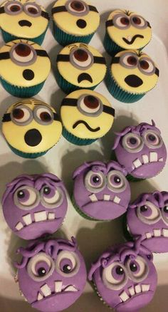 Top: Minion cupcakes for your little angels. Bottom: Evil minion cupcakes for your little trouble makers! Torta Minion, Bolo Minion, Minion Cupcakes, Cute Cupcakes, Minion Birthday, Minion Party, Minion Halloween, Beautiful Cakes, Amazing Cakes