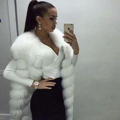 Fur vest: 15 stylish images of the autumn-winter season - Absolute Beauty Tips Fur Fashion, Fashion Killa, Fashion Outfits, Womens Fashion, Elegantes Outfit Frau, Mode Glamour, Vetement Fashion, Mode Outfits, Vest Outfits