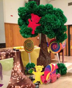 Gummy bear tree. Willy Wonka - Charlie and the Chocolate Factory Theme
