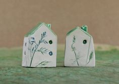 Two houses decorated, small houses in pottery, green floreal pottery, gif for her di Allerimstudio su Etsy