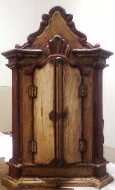 Oratório - Pesquisa Google Religious Icons, Religious Art, Cigar Box Crafts, Faith Crafts, Home Altar, Shabby Chic Cottage, Round Mirrors, Box Art, Altered Art