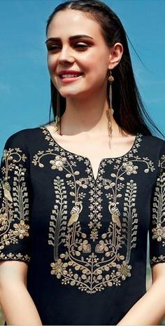 Embroidery Floral Shirt Blouses 47 Ideas For 2019 Kurti Embroidery Design, Embroidery Dress, Zardozi Embroidery, Indian Embroidery, Embroidery Stitches, Kurti Neck Designs, Blouse Designs, New Dress Design Indian, Pakistani Dresses Casual