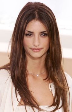 Penelope Cruz: Black-lined eyes, bold brows, and a bombshell blowout made for a sultry look for Penelope Cruz in 2000.