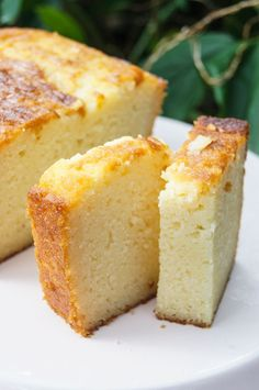 Ricotta Cake ~ It's sweet, but not too sweet, hints of vanilla flavor all over it, moist (ohhhh soooo very moist), easy to make, less than 15 minutes putting it together and 45 minutes baking time.