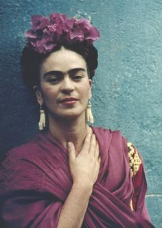 In May Nickolas Muray traveled to Mexico where he met Frida Kahlo, a woman he would never forget. Diego Rivera, Fridah Kahlo, Glamour Mexico, Nickolas Muray, Frida Kahlo Portraits, Kahlo Paintings, Frida And Diego, Frida Art, Charles Bukowski