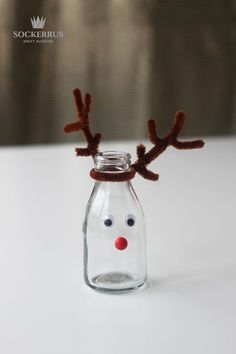 pyssel jul flaska Christmas Mood, Noel Christmas, Christmas Goodies, Christmas Crafts, Christmas Decorations, Christmas Ornaments, Holiday, Diy For Kids, Crafts For Kids
