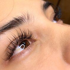 Eyelash extensions done by Lashes by Sophia in Irvine, CA Wispy Eyelashes, Beautiful Eyelashes, Longer Eyelashes, Face Paint Makeup, Eye Makeup, Hair Makeup, Eyelash Extensions Styles, Eyelash Lift, False Lashes