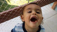 Comer comer é o melhor para poder crescer. Mas não de boca aberta guriii.  Biscoooitos!