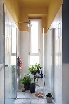〚 Stylish Milan apartment with exotic touches 〛 ◾ Photos ◾Ideas◾ Design Bathroom Tile Designs, Modern Bathroom Design, Bathroom Interior Design, Milan Apartment, Master Suite Bathroom, Master Bath, Bathroom Decor Pictures, Terrazo, Appartement Design