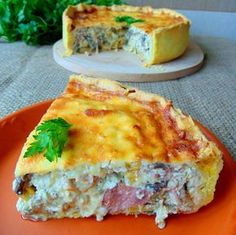 Tarta-aperitiv-cu-sunca-ciuperci-si-cascava2 Quiche, Romanian Food, Romanian Recipes, 30 Minute Meals, Desert Recipes, Food Videos, Great Recipes, Catering, Brunch
