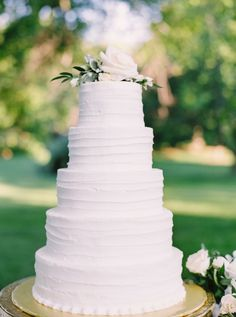 Classic white wedding cake:  http://www.stylemepretty.com/2016/05/24/dreamy-pastel-french-inspired-wedding/ | Photography: Justine Milton - http://www.justinemilton.com/