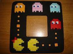 Pac -Man photo frame hama perler beads