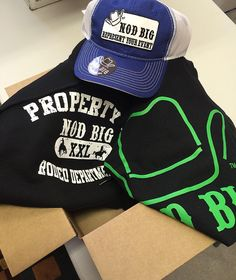 """""""Getting apparel ready to go and shipped out ! Do you have your Nod Big apparel yet ? Go get you yours at www.nodbig.com and explore our site to find your…"""""""