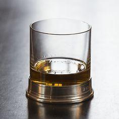 Whiskyglas Sirmione bei Torquato.de - Mit einem Fuß aus Zinn. Großer Tumbler in zylindrischer Form mit dickem Boden und einem Fuß aus Zinn – ein...