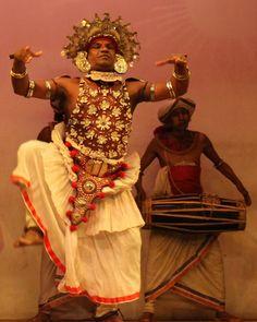 Danzas típicas en Kandy, Sri Lanka.