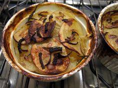 Ricettario vege/veg di una cuoca pigra e una no: Patate boulangere (zuppa di patate e cipolle al forno)