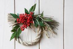 南天の注連縄リース a - Bloomsbury Grapevine Wreath, Grape Vines, Xmas, Wreaths, Flowers, Home Decor, Decoration Home, Door Wreaths, Room Decor