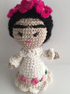 Frida Doll, Frida Kahlo, Amigurumi Doll, handmade doll, Crochet doll, Frida amigurumi doll, Frida crochet doll by Sanaya321 on Etsy