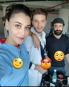 Ekip Çalışması diye biz buna deriz... Heart Beat, Blue Wallpapers, Celebs, Celebrities, Turkish Actors, Arabic Quotes, In A Heartbeat, Movie Tv, Film