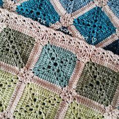 The Patchwork Heart: motif edging The Batik Rainbow Blanket Crochet Square Blanket, Crochet Quilt, Crochet Blocks, Crochet Squares, Crochet Home, Crochet Granny, Crochet Motif, Crochet Yarn, Crochet Patterns