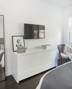 Room Ideas Bedroom, Small Room Bedroom, Bedroom Themes, Home Decor Bedroom, Modern Bedroom, Living Room Decor, Ikea Bedroom Design, House Of Philia, White Room Decor