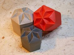 """Hexagon Diamant Box"" by Tomoko Fuse 