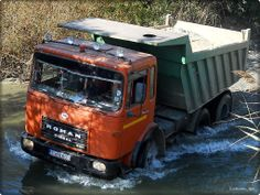 ROMAN 18 256 (Romania) Dump Trucks, Old Trucks, Romania, Diesel, Vehicles, Cars, Nostalgia, Diesel Fuel, Dump Trailers
