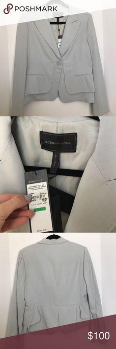 ✨SALE🖤BCBGMAXAZRIA blazer NWT blazer from BCBG Maxazria light gray. Super cute and has shoulder pads. Comes with extra buttons. model wears a size L/XL BCBGMaxAzria Jackets & Coats Blazers