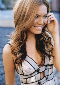 Mandy Moore has a pretty smile