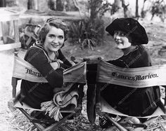 photo Mary Pickford Frances Marion behind the scenes 2785-28