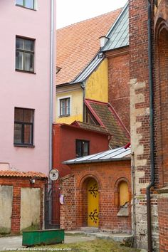 Riga Old Town - so full of charm <3